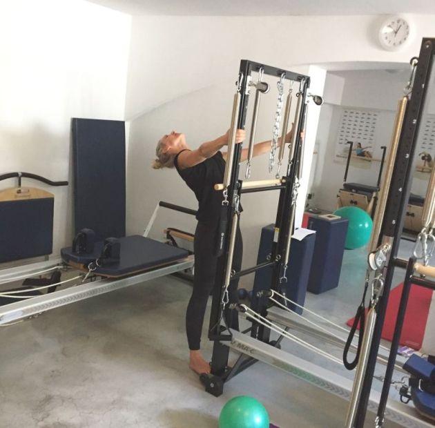 web STOTT Pilates Spread Eagle Stretch